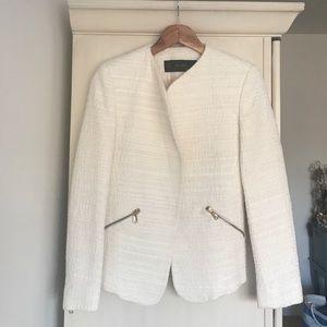 White blazer, polyester. Zara Basic.